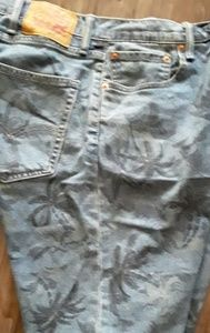 Men's Levi's tropical print shorts size 42